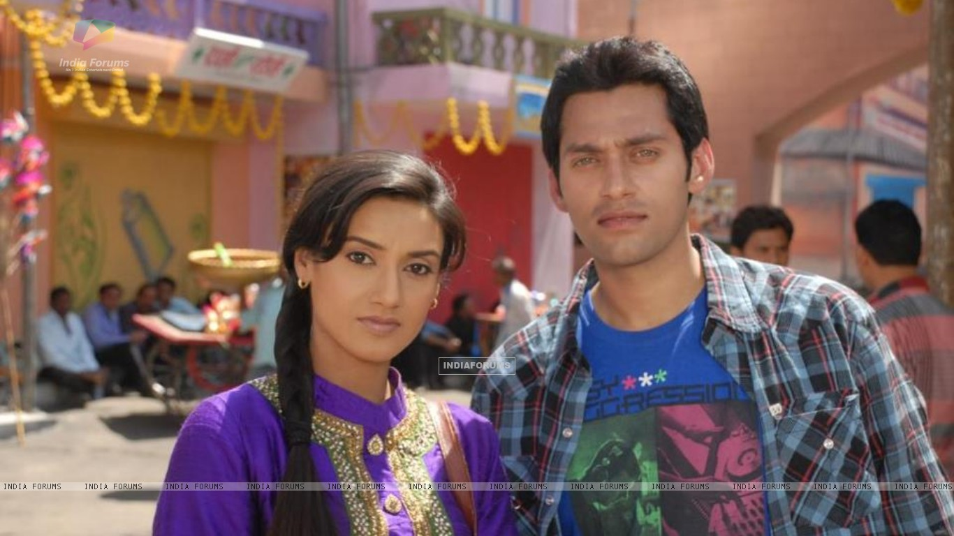 Rati Pandey and Sumit Vats (227943) size:1366x768