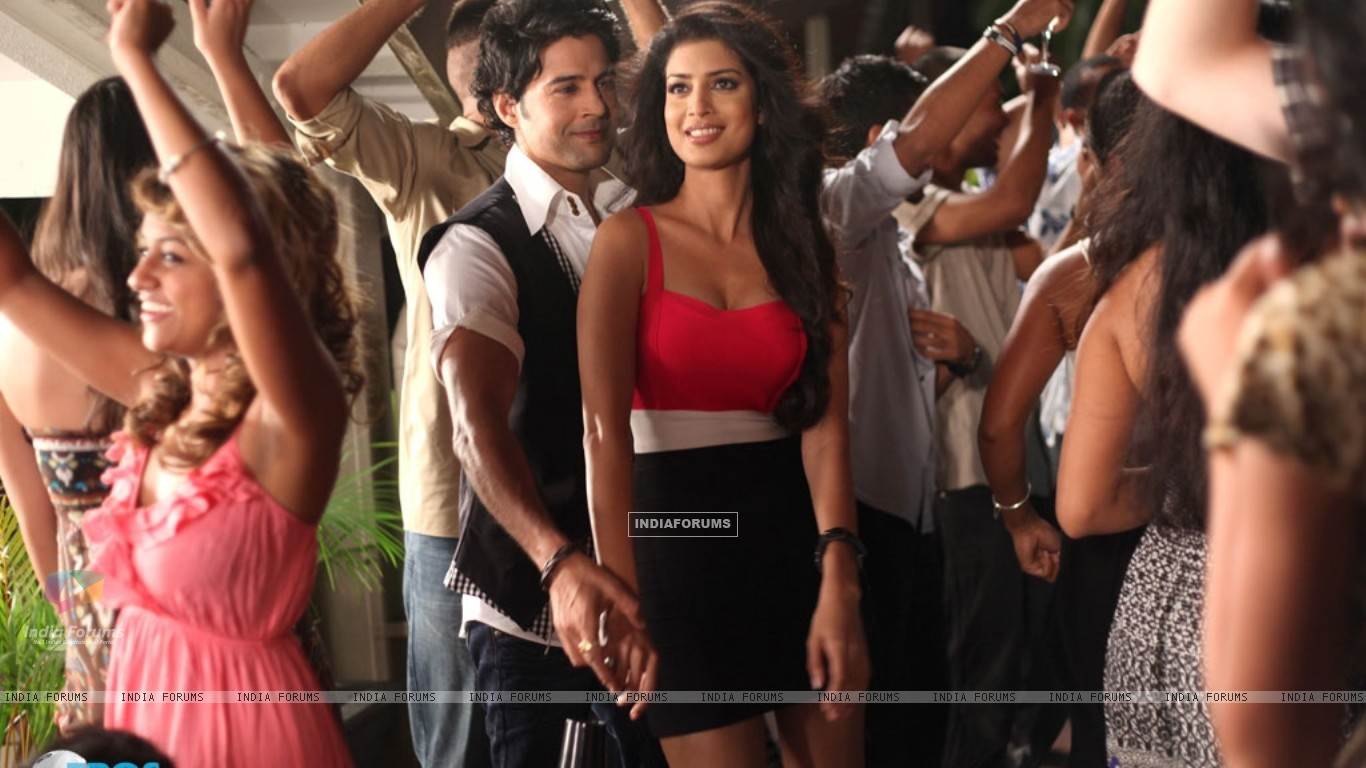 A still of Tena Desae with Rajeev Khandelwal from the movie Table No. 21 (247197) size:1366x768
