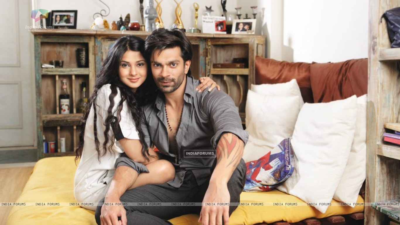 Karan & Jennifer at Home (271967) size:1366x768