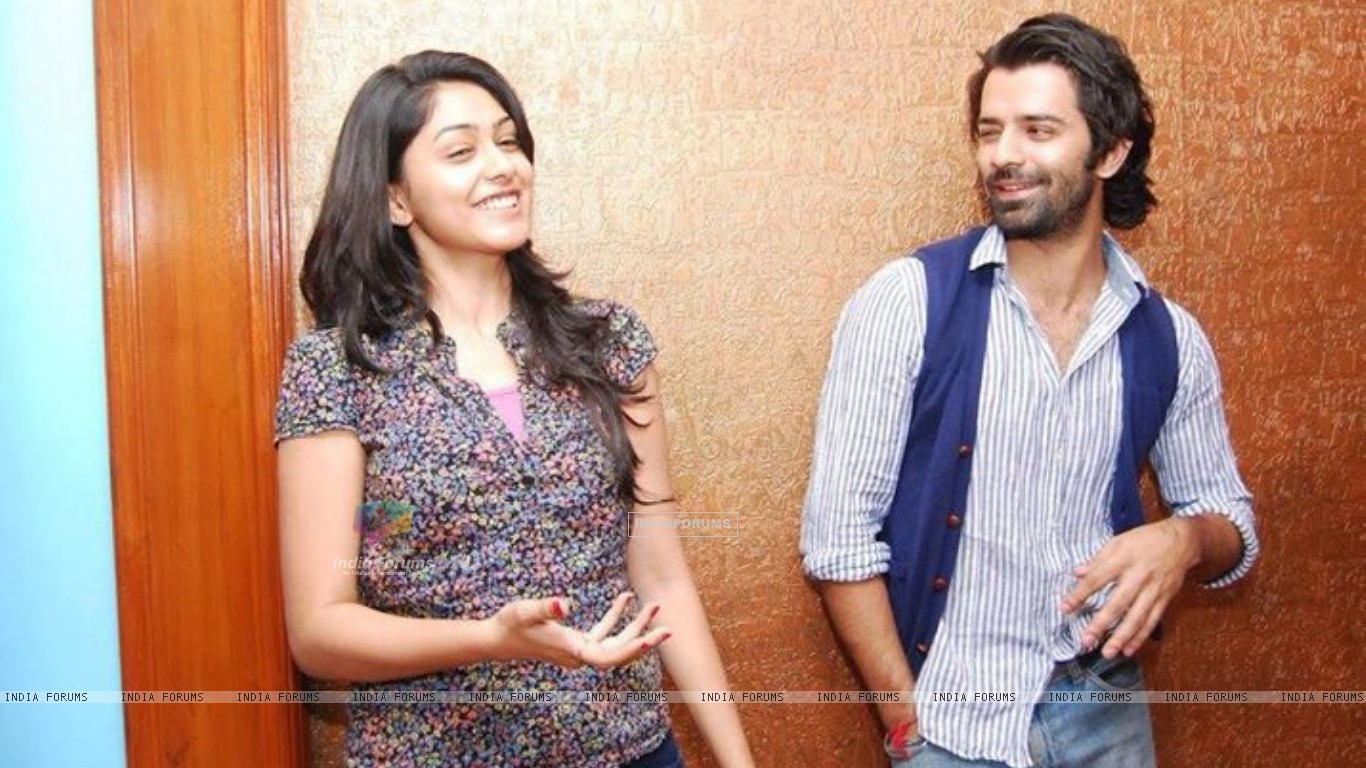 mrunal thakur and barun sobti relationship test