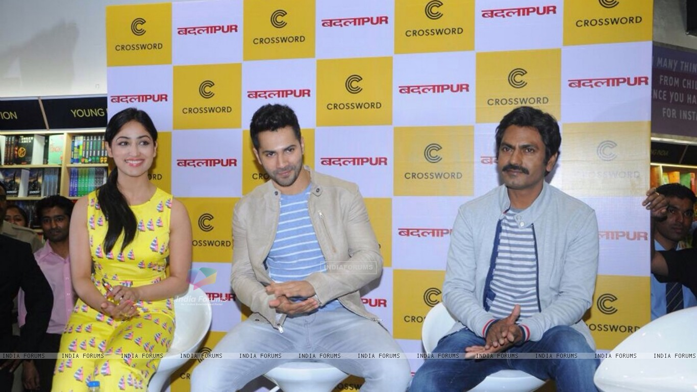 wallpaper - team promotes badlapur at the launch of the biggest