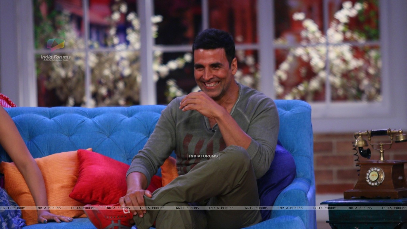 Akshay Kumar Akshay Kumar At The Promotions Of Gabbar Is Back On