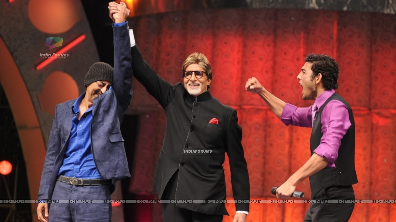 Vindu announced winner by Big B (41049) size:1366x768