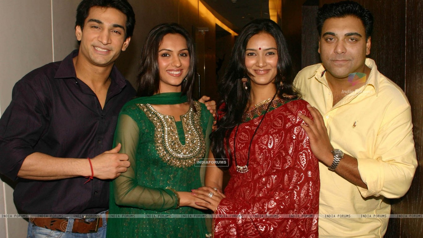 "The Star Cast of NDTV Imagine''s ""Basera'''' at a press-meet in New Delhi on Wednesday (79587) size:1366x768"