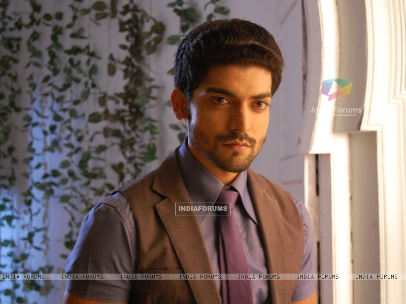 Gurmeet Choudhary as Mann - Wallpaper (Size:800x600)