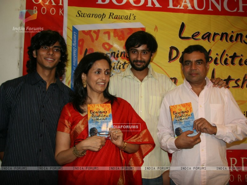 Paresh Rawal and Swaroop Rawal's book launch at Oxford Bookstore at Mumbai (102489) size:800x600