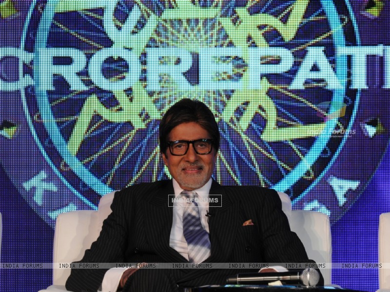 Amitabh Bachchan as a host in Kaun Banega Crorepati 4 (103519) size:800x600