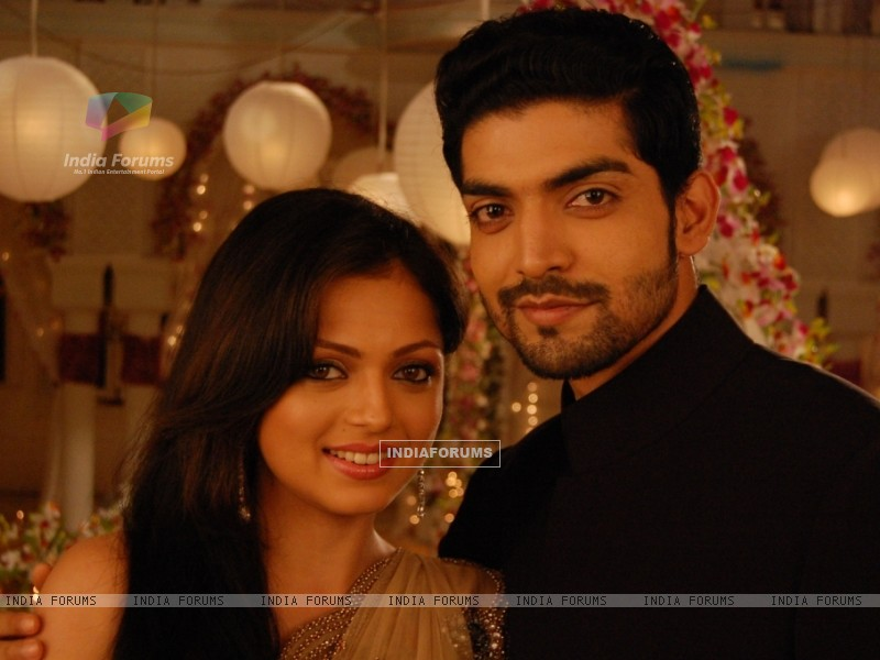 Still image of Maan and Geet (112727) size:800x600