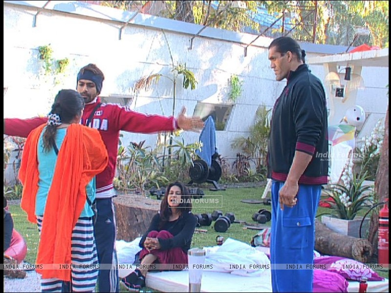 Still from tv show Bigg Boss 4 (113506) size:800x600
