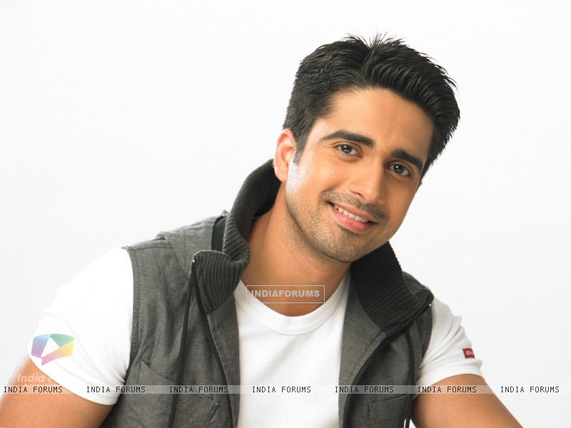 Avinash Sachdev as Dev in Chhoti Bahu (123455) size:800x600