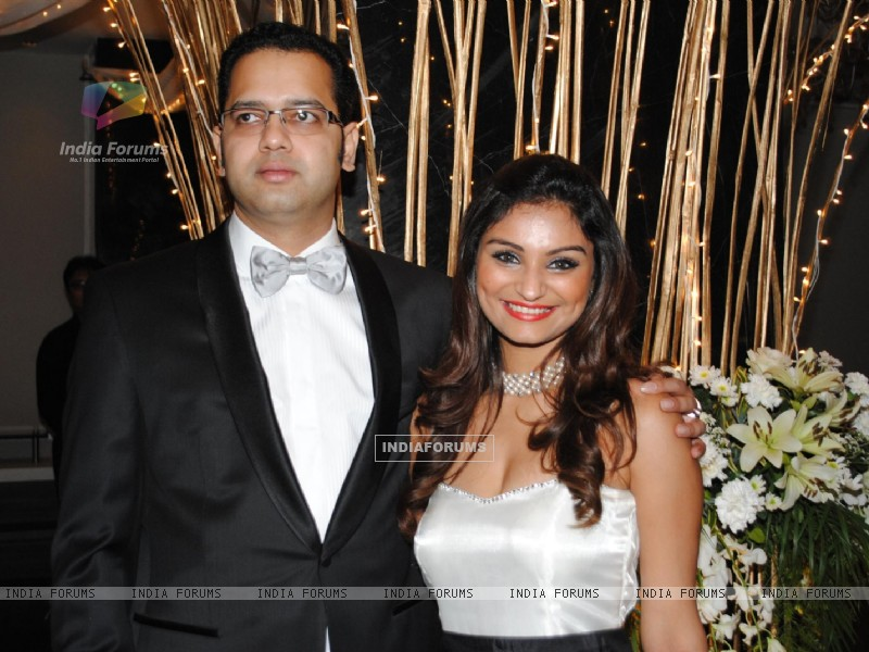 Rahul and Dimpy Mahajan 39s 1st wedding anniversary party Wallpaper