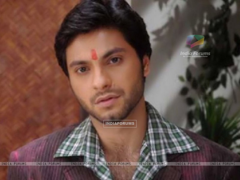 Mishal Raheja as Dutta Patil (133048) size:800x600