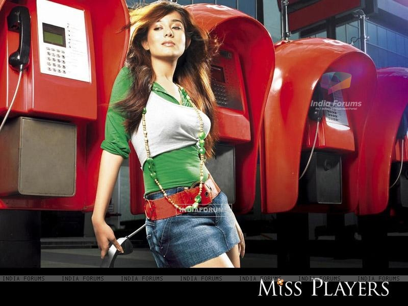 Amrita Rao on Miss Players in short jeans (15358) size:800x600