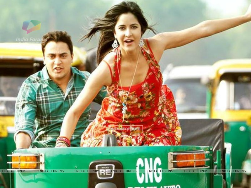 Still image from Mere Brother Ki Dulhan (154187) size:800x600