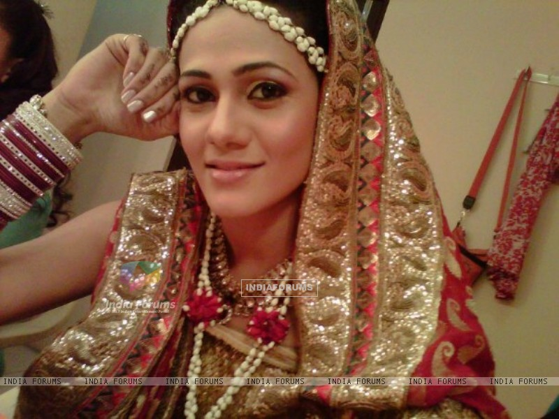 Kajal Pisal as Ishikaa Kapoor in bridal outfit (155378) size:800x600