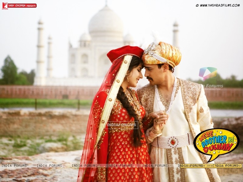 Still image from Mere Brother Ki Dulhan (156095) size:800x600