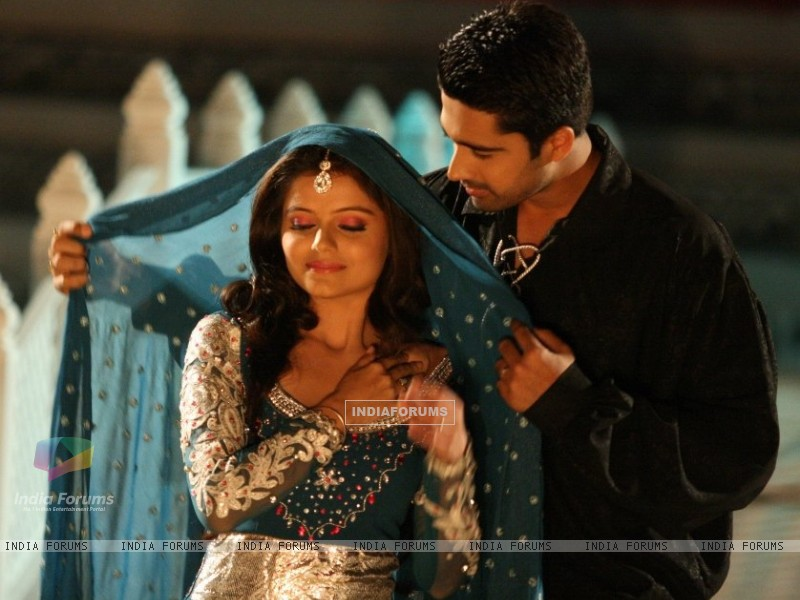 Avinash Sachdev as Dev and Rubina Dilaik as Radhika in Chhoti Bahu - Sawar Ke Rang Rachi (156153) size:800x600