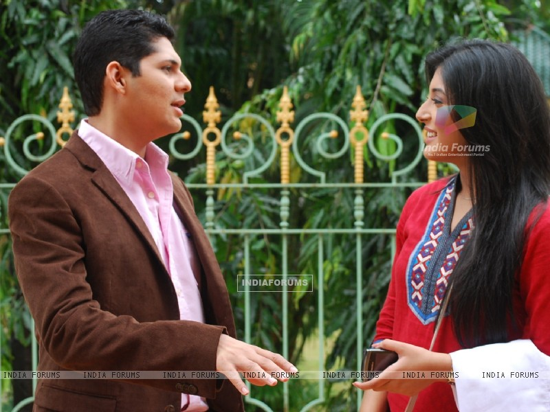 Dr. Nidhi with Dr. Ranganth in tv show Kuch Toh Log Kahenge (163558) size:800x600