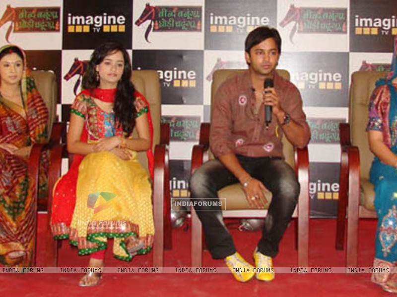 Beend Banoongaa Ghodi Chadhunga cast at an promotional event (164643) size:800x600