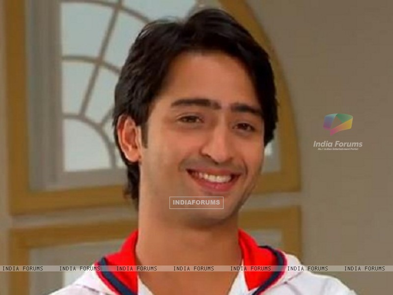 Anant sweet smile in TV Show Navya (164677) size:800x600