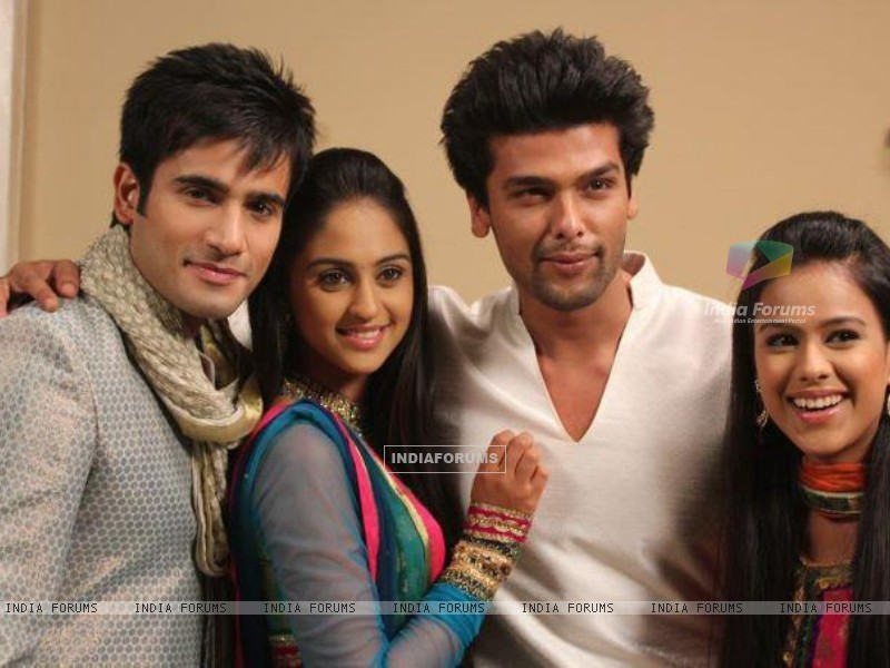 Karan Tacker, Krystle Dsouza, Nia Sharma and Kushal Tandon in the show Ek Hazaaron Mein Meri Behna H (166385) size:800x600