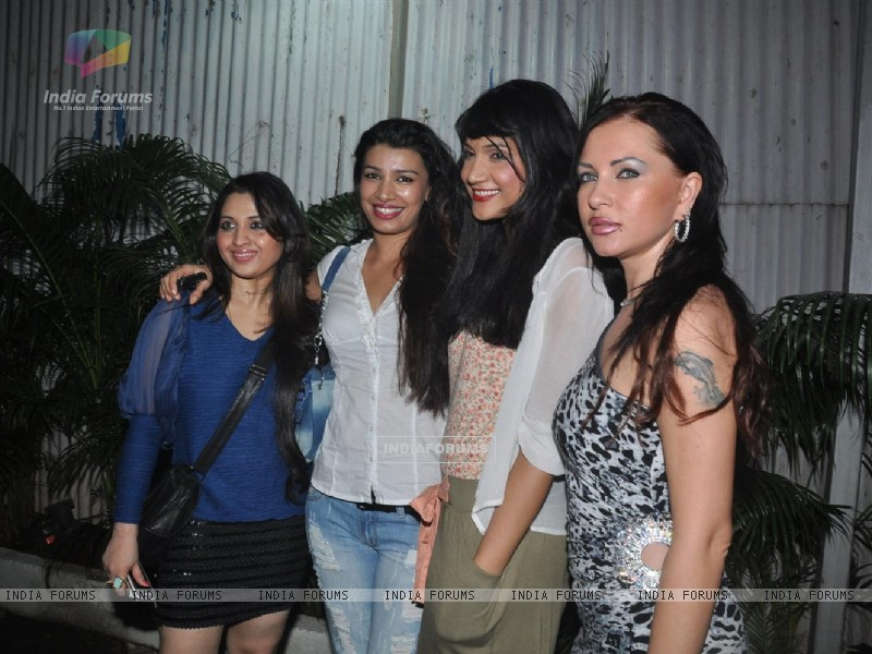 Mink Brar at Parvez Lakdawala's party (167831) size:800x600