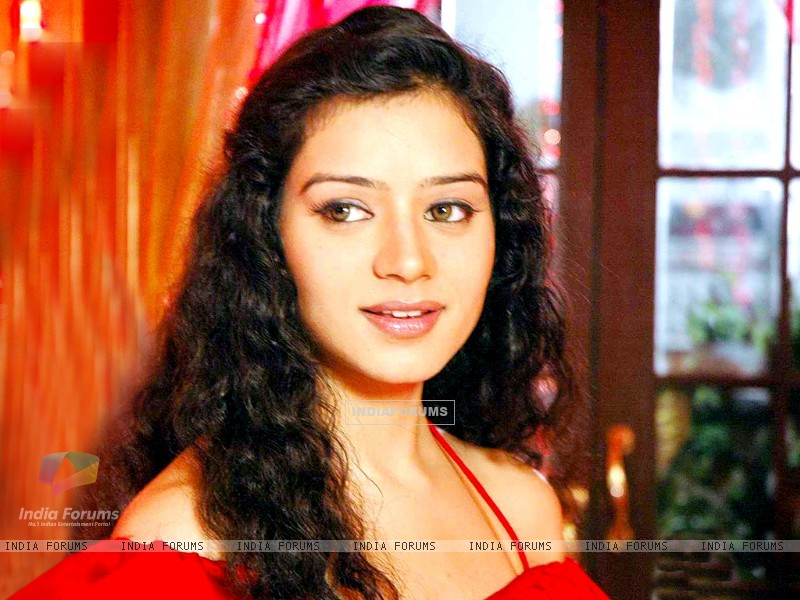 Sukirti Kandpal as Dr. Riddhima (171909) size:800x600