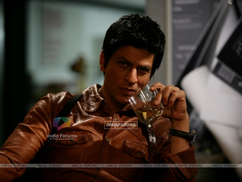 Shah Rukh Khan in the movie Don 2 (172584) size:800x600