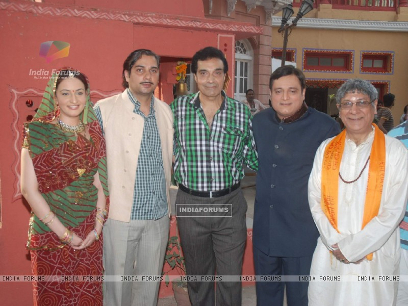 Varun Badola, Manoj Joshi on the sets of their upcoming short film titled 'Bhola Bhagat' shoot (173016) size:800x600