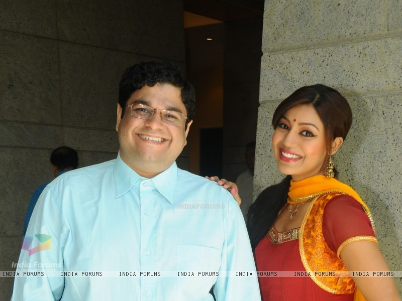 Debina with Sumit Arora in tv show Chidiya Ghar (178289) size:800x600
