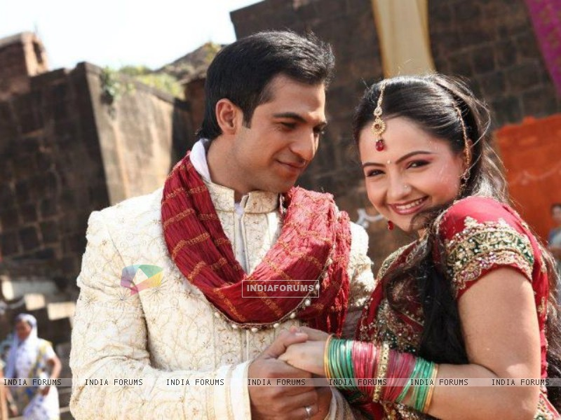 Giaa Manek & Mohammad Nazim Shooting For Star Parivaar Awards 2012 Title Song (184387) size:800x600