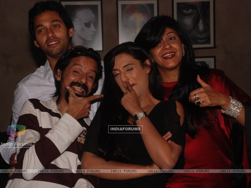 Rati Pandey, Sumit Vats, Ila Bedi Dutta at celebration of 100 episodes of Hitler Didi (191552) size:800x600