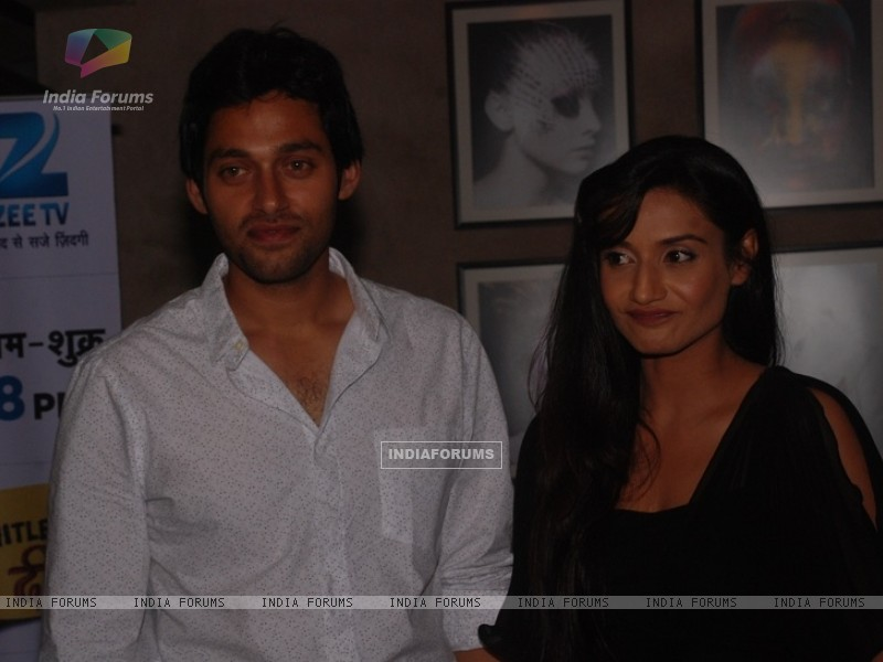 Sumit Vats and Rati Pandey at celebration of 100 episodes of Hitler Didi (191565) size:800x600