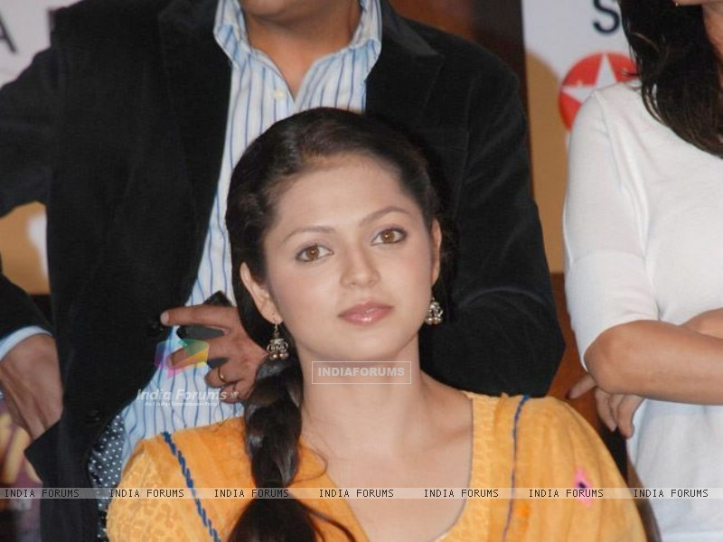 Drashti Dhami in launch party of GHSP (191786) size:800x600