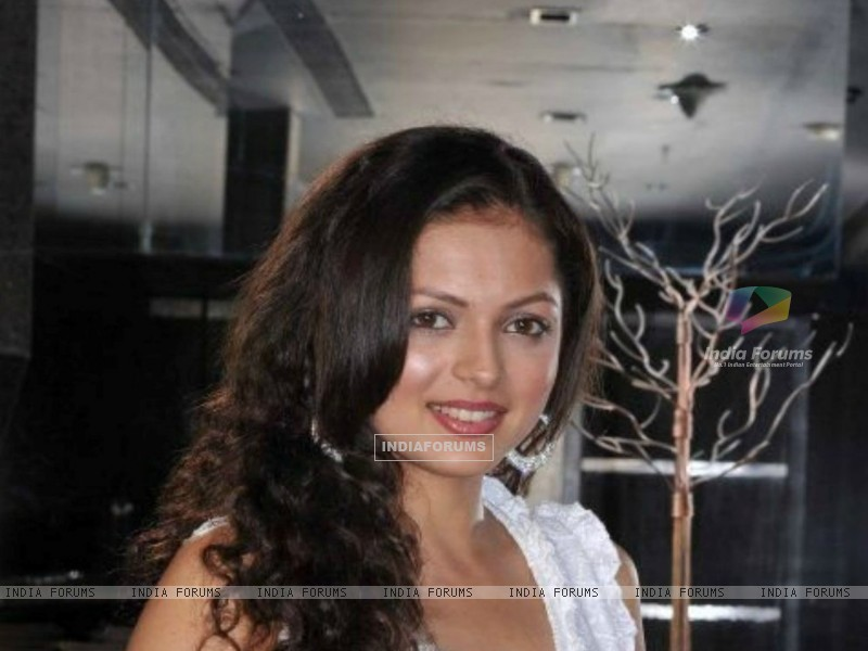 Drashti Dhami at a party (193257) size:800x600
