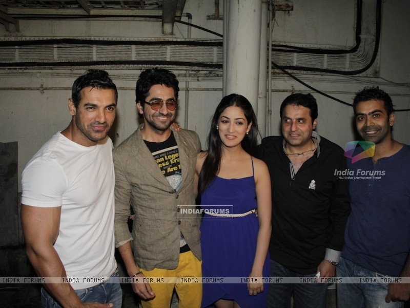 John Abraham, Ayushman, Yami Gautam at Vicky Donor special screening hosted by John Abraham at PVR (194716) size:800x600