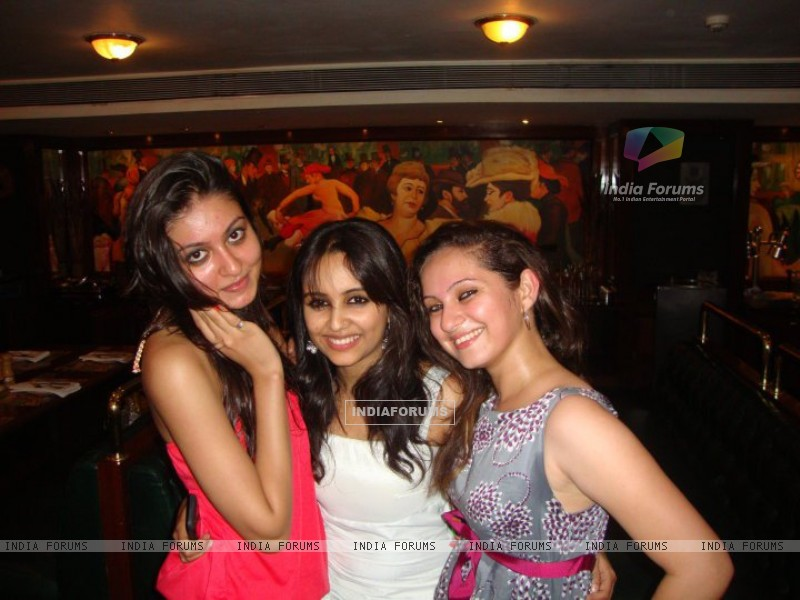 Aditi Tailing and Lavina Tandon at party (198572) size:800x600