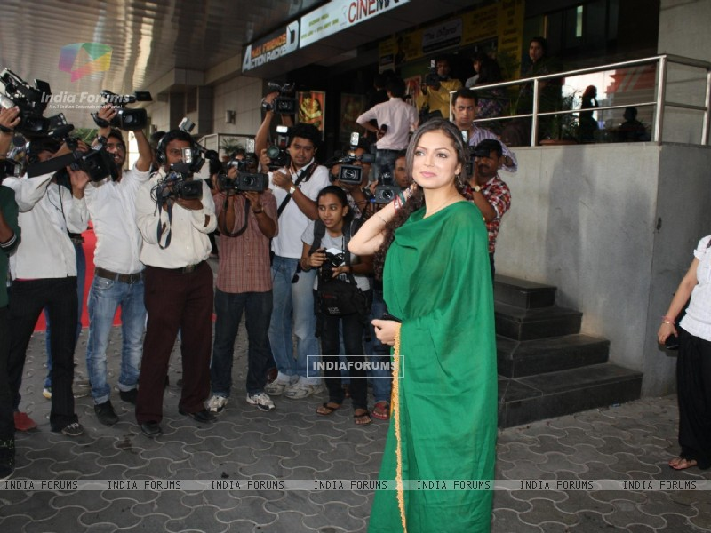Drashti Dhami at COLORS Channel new show Madhubala...Ek Ishq, Ek Junoon premiere (199435) size:800x600