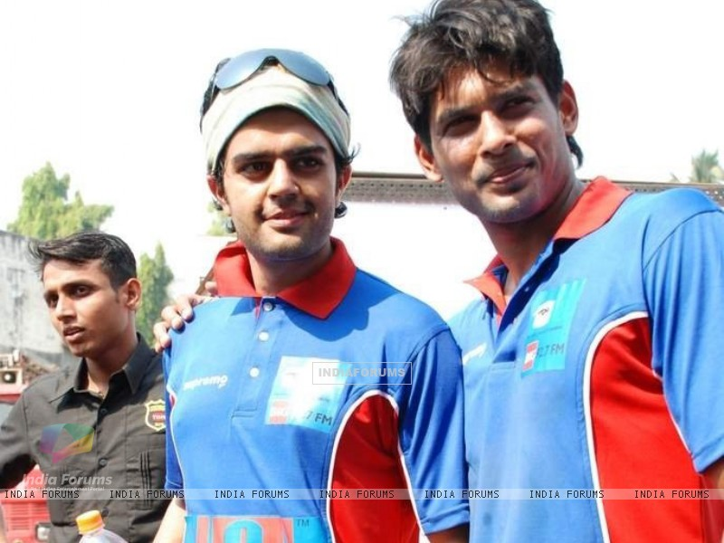 Siddhart Shukla at celeb cricket match (199652) size:800x600