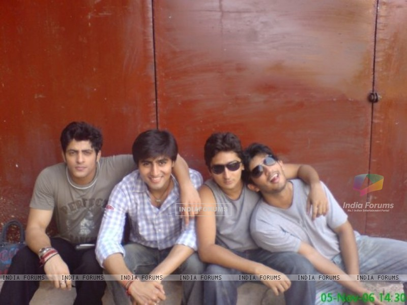 Harshad Chopra, Kunal Karan Kapoor and Arjun Bijlani (200755) size:800x600