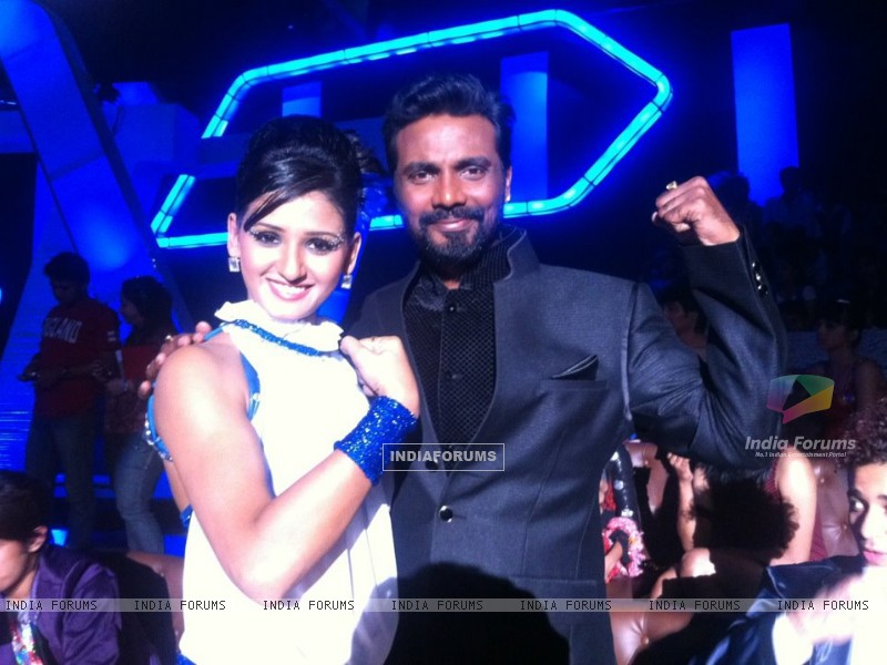 Shakti Mohan and Remo on the sets of Dance India Dance (201794) size:800x600