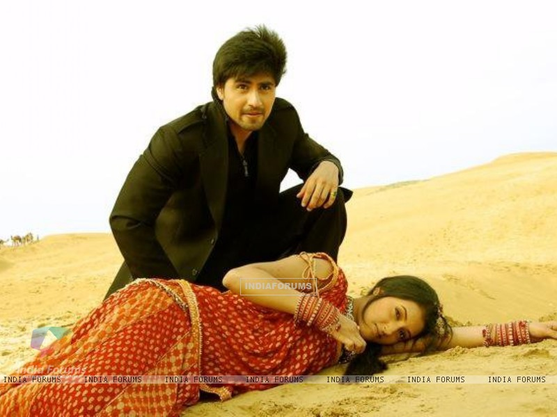 Harshad Chopra and Additi Gupta (202612) size:800x600