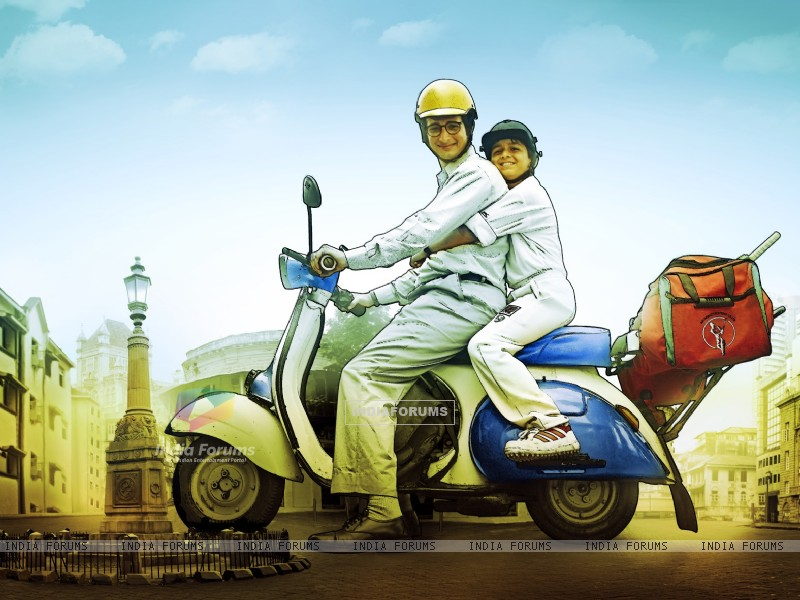 Sharman Joshi and Ritvik Sahore in Ferrari Ki Sawaari (204084) size:800x600