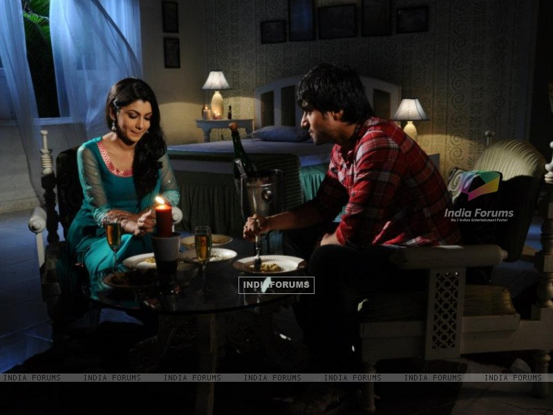Harshad Chopra and Sriti Jha (208548) size:800x600