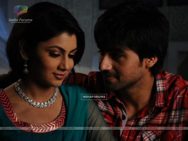 Harshad Chopra and Sriti Jha (208549) size:800x600
