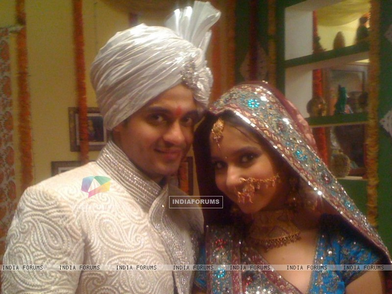 Vinod and Neelu wedding (208795) size:800x600