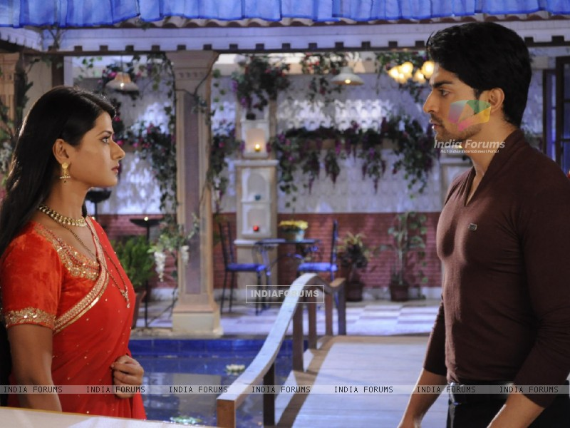 Gurmeet and Kratika in Punar Vivah (211076) size:800x600