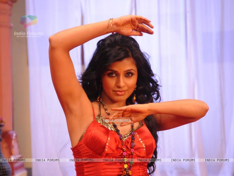 Arti Puri shooting for a dance sequence (211216) size:800x600