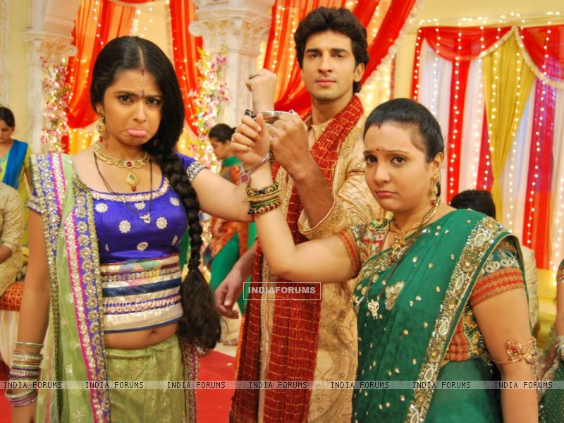 Avika, Manish and Snehal (214258) size:800x600