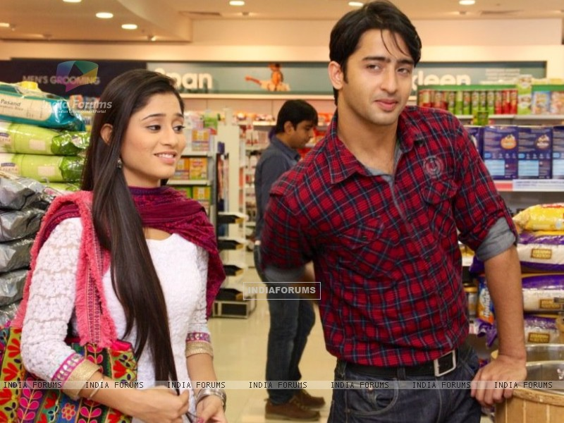 Shaheer Sheikh and Soumya Seth as Anant and Navya in Navya (215016) size:800x600